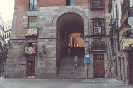 Arco de Cuchilleros de Madrid